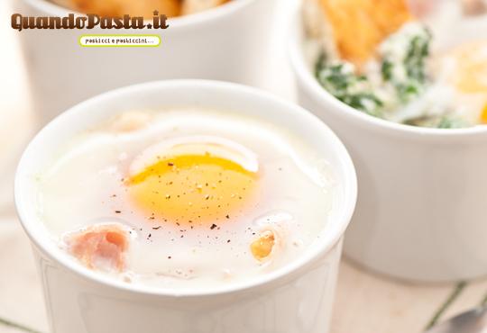 uova in cocotte con ricotta e spinaci