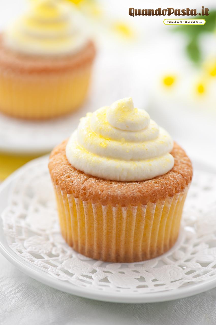 http://www.quandopasta.it/wp-content/uploads/2012/03/cupcake_limone_miele_001.jpg